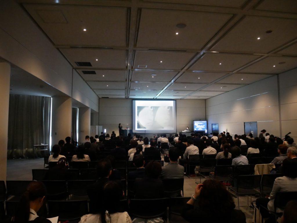 日本皮膚科学会総会ランチョンセミナーで朝日医師が講演いたしました
